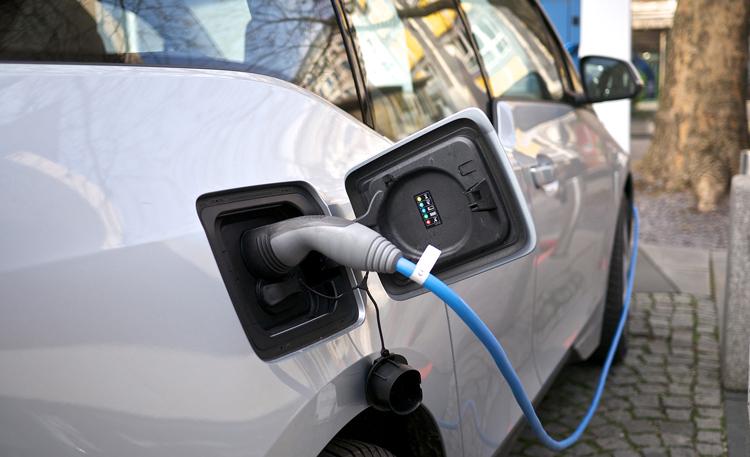 10 érv az elektromos autózás mellett
